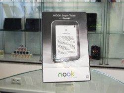 Barnes & Noble Nook Simple Touch Glow Light BNRV350 z podświetleniem czarny